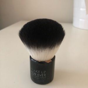 Makeupforever 124 Powder Kabuki Brush